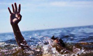 نجات سه جوان از غرق شدن در آبهای سواحل کیش